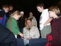 Fendrich-Schlagzeuger Pete Wrba gibt geduldig Autogramme