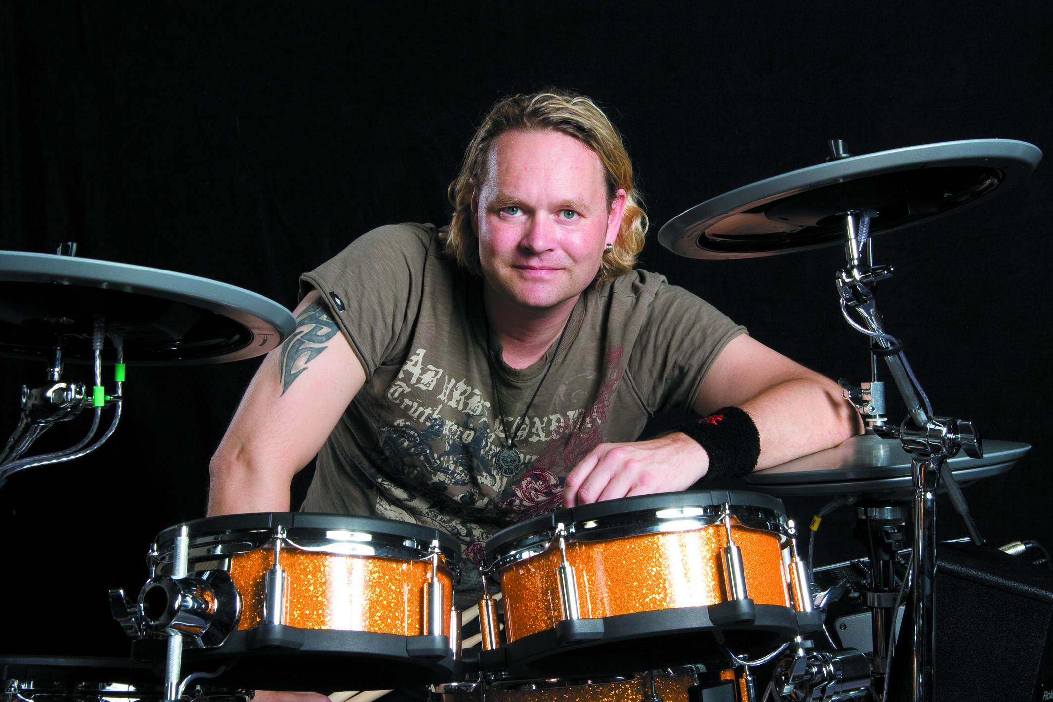 27. November 2014: Roland-Workshop mit Dirk Brand: www.drums-siegl.de/tag/dirk-brand